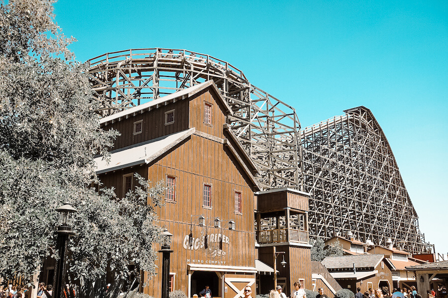 Knotts Berry Farm Roller Coaster: GhostRider