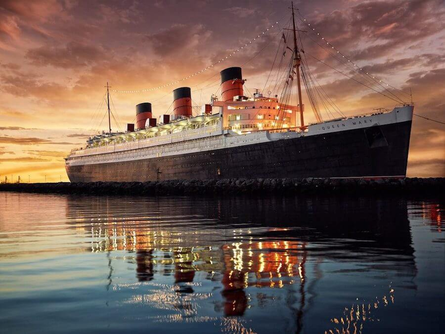 The Queen Mary at night
